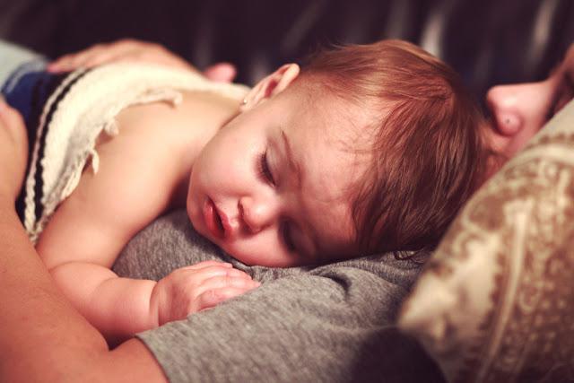 Ciri-ciri DBD pada bayi usia  bulan