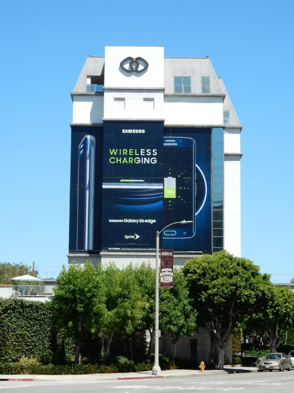 Samsung Galaxy S6 Edge wireless charging billboard