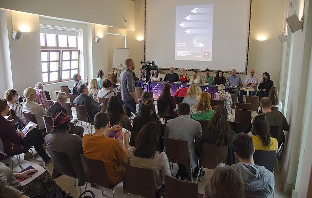 Konferencija za medije, Beldocs