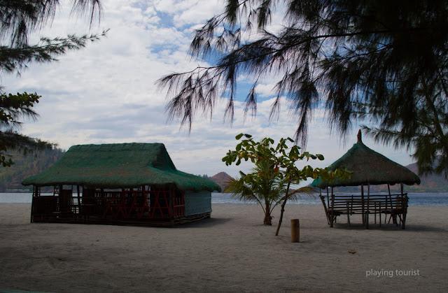 Nipa Huts Silanguin Cove
