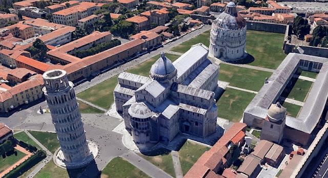 Piazza dei Miracoli em Pisa