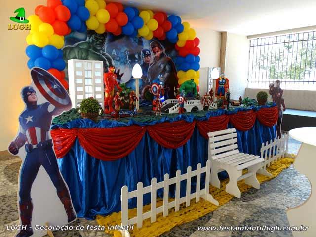 Decoração Os Vingadores - Mesa decorada de festa de aniversário na Barra da Tijuca RJ