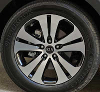 2011 Kia Sportage EX AWD wheel - Subcompact Culture
