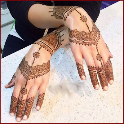 christmas-best-mehndi-designs-on-hands-for-girls-14