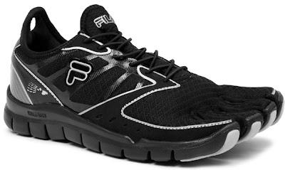 Компания Fila давно обещала развитие своей линейки минималистических  кроссовок Skeletoes. И вот первые снимки одной из новых моделей. 8707d49753861