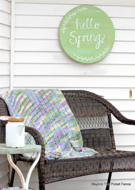 Spring Porch Decor from the Thrift Store