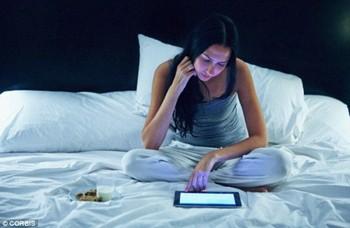 Dễ có thai nếu tắt đèn ngủ