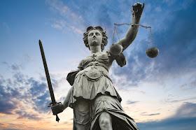 Joana Morais: Maddie parents accuse Supreme Court Justice-statue