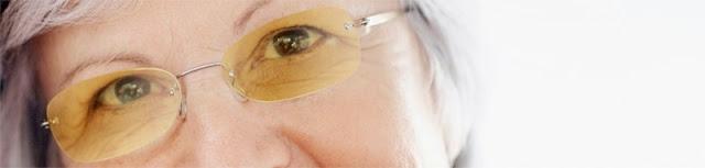 imagen de mujer con gafas