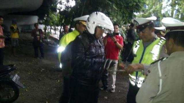 Minta Duit Damai, Polisi Ini Tak Tahu Ternyata yang Ditilangnya Adalah Kapolda ! Lihat videonya…