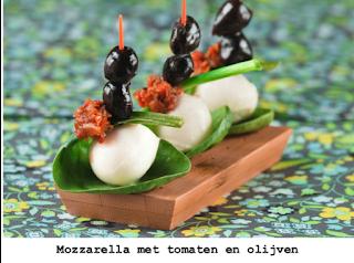 Mozzarella, calamata olijven en tomatetapenade