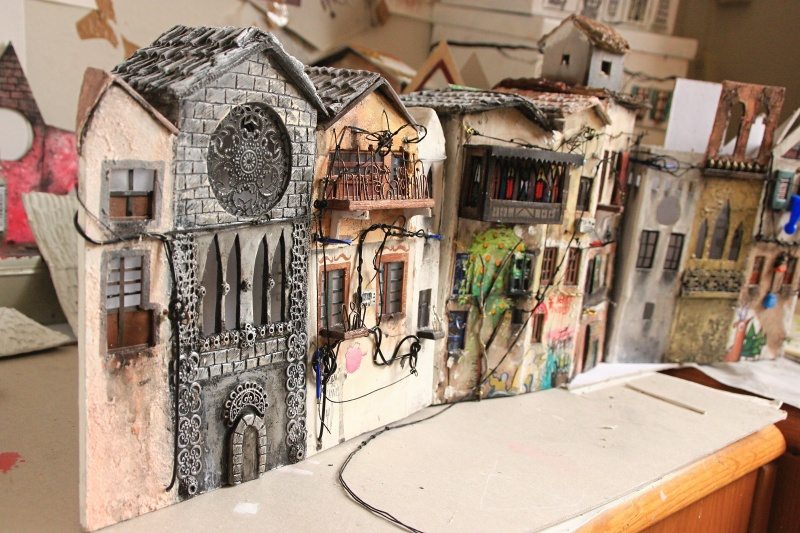 11-Katarina-Pridavkova-Fantasy-Architecture-in-Plaster-and-Clay-Town-www-designstack-co