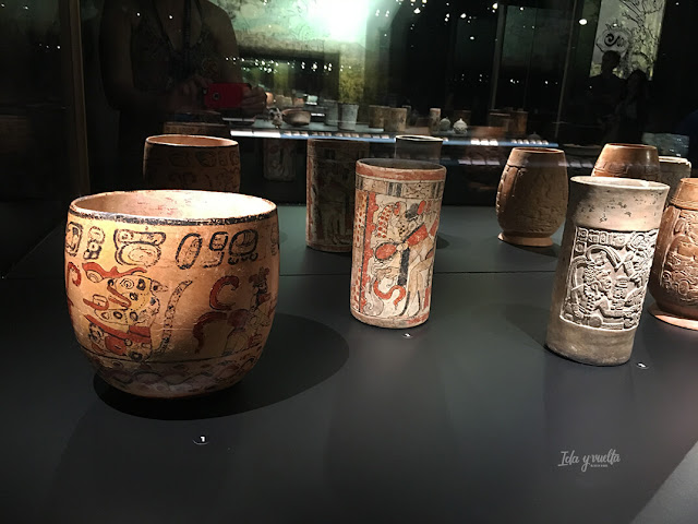 Vasijas de los mayas en MARQ