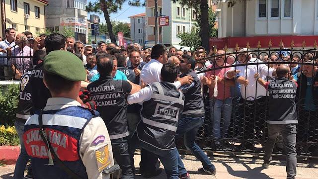 انتفاض الأتراك على القتلة