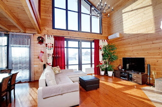 Окна из дерева в стиле шале