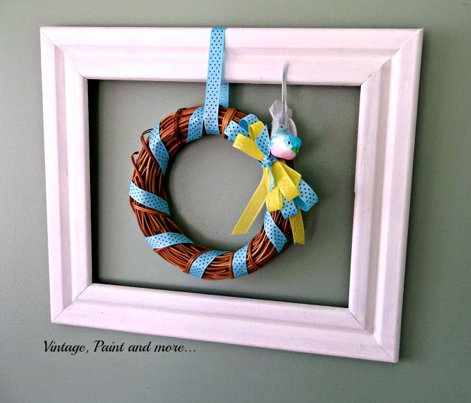 Framed Wreath - DIY wreath in a frame,  chalk paint frame with a wreath, grapevine wreath, Spring wreath