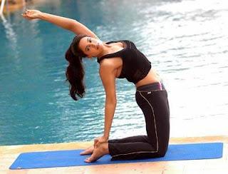 Sameera Reddy Yoga Pose.jpg