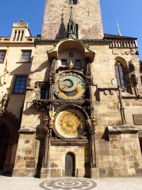 Informações sobre a Torre do relógio astronômico em Praga