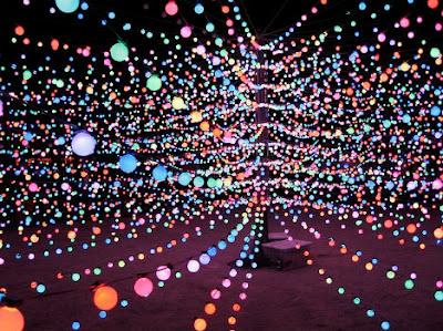 Luz brillante y arte.