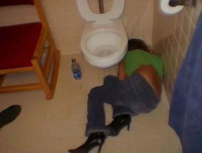 seks dalam tandas, romen dalam tandas