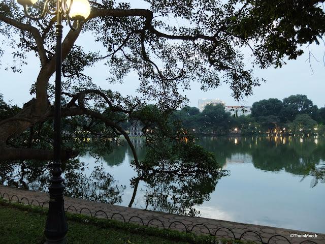 temple ngoc son pont rouge tortue vietnam hanoi lac hoan kiem