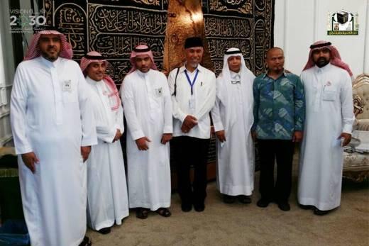 Usai Laksanakan Ibadah Haji, Walikota Ini Kunjungi Pabrik Pembuatan Kiswah Ka'bah Di Mekkah