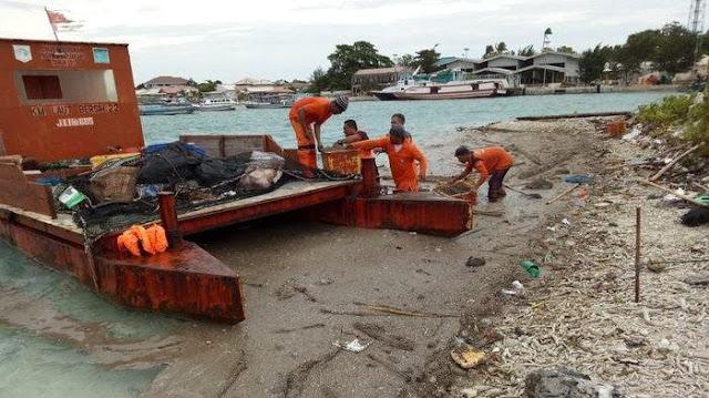 Kerikil Diduga dari Anak Krakatau Terbawa ke Kepulauan Seribu