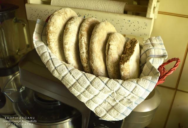 Jak wykonać marokański domowy chleb razowy przy użyciu maszyny do wyrabiania chleba