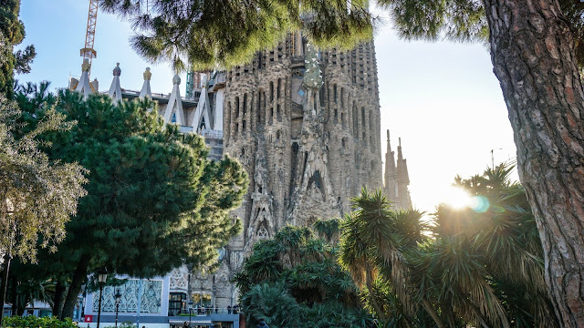 Barcelona on a Budget: Seeing The City on a Shoestring!