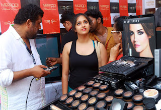 Keerthi suresh Hot in black dress
