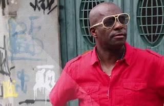 Renato Biguli, do Monobloco, se apresenta no Shopping Jardim Guadalupe