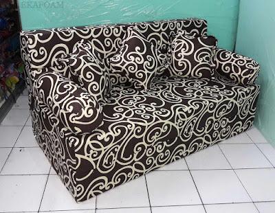 Sofa bed inoac motif batik coklat