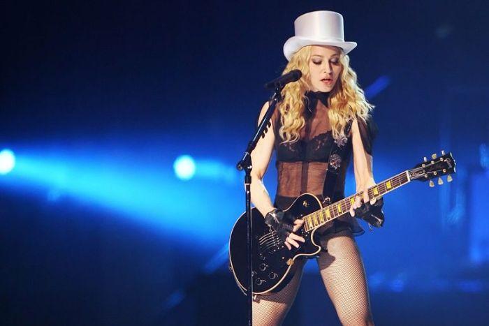 Madonna Gay 24