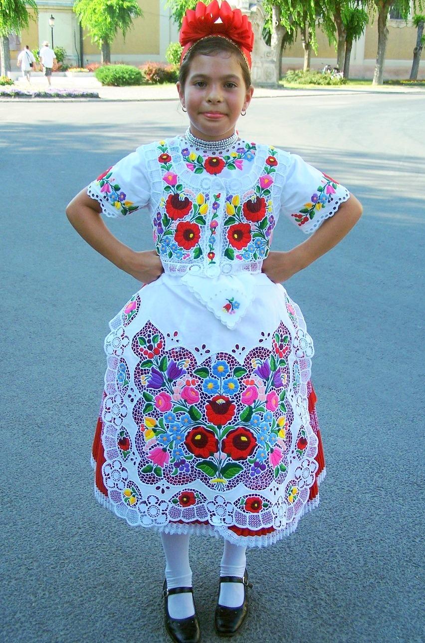 FolkCostume&Embroidery: Costume of Kalocsa, Bács-Kiskun ...