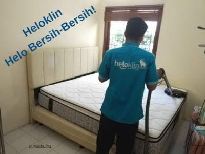 Bersihkan kasur dan karpet dengan heloklin