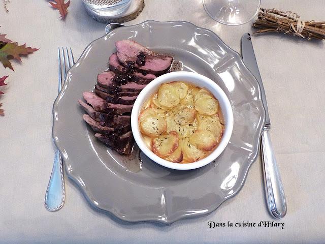 Magret de canard et sa sauce vin rouge - poivre et ses pommes de terre Anna
