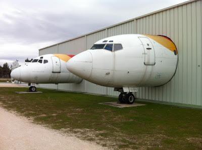 Museo del aire. Cabinas de aviones de Iberia.