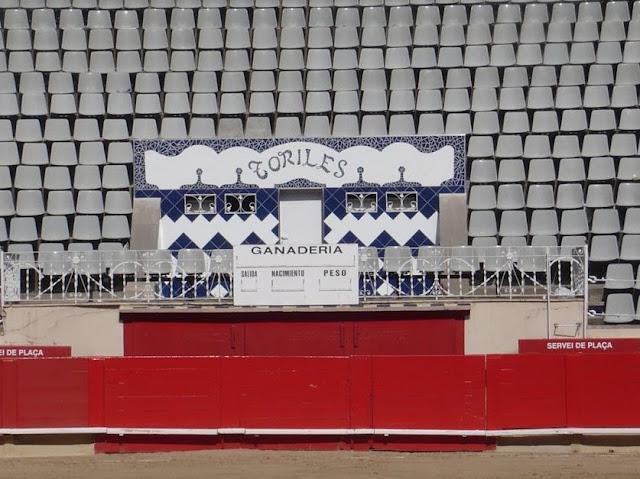 tribuna d'onore alla plaza de toros monumental