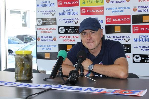 Grozavu at the press conference
