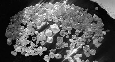 Israel lançará criptomoeda apoiada por diamantes