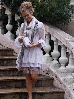 cd4f3711ee6e Den er så fin den kjole her altså... Denne boheme nederdel er bare lige MIG  og den hænger også i skabet allerede  -) Det blødeste flotte tyl nederst ...