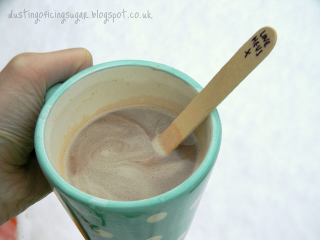 Hot choc spoons - dustingoficingsugar.blogspot.co.uk