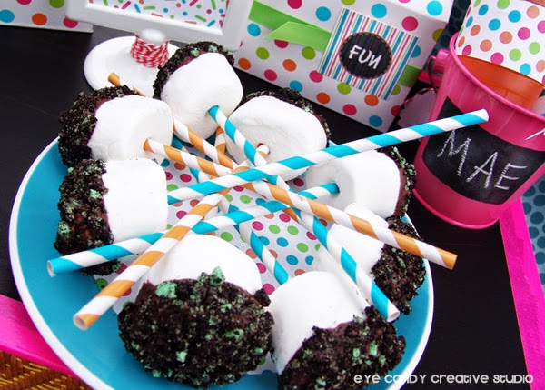 chocolate covered Oreo marshmallow pops, food for picnic, jet puffed