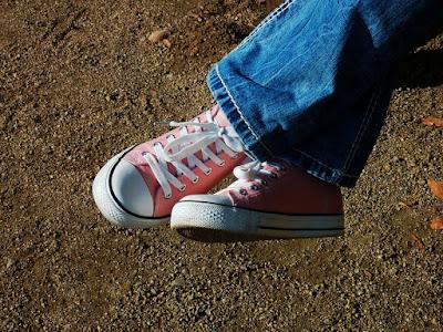 Sepatu Baru_8 Kado Kece, Keren dan Unik buat Saudara