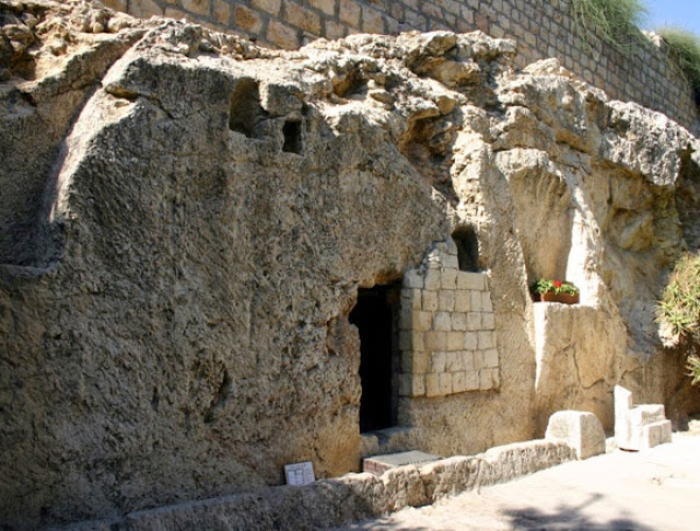 Is the Garden Tomb_ the Tomb of Jesus_ Lets get straight to the facts and find out.