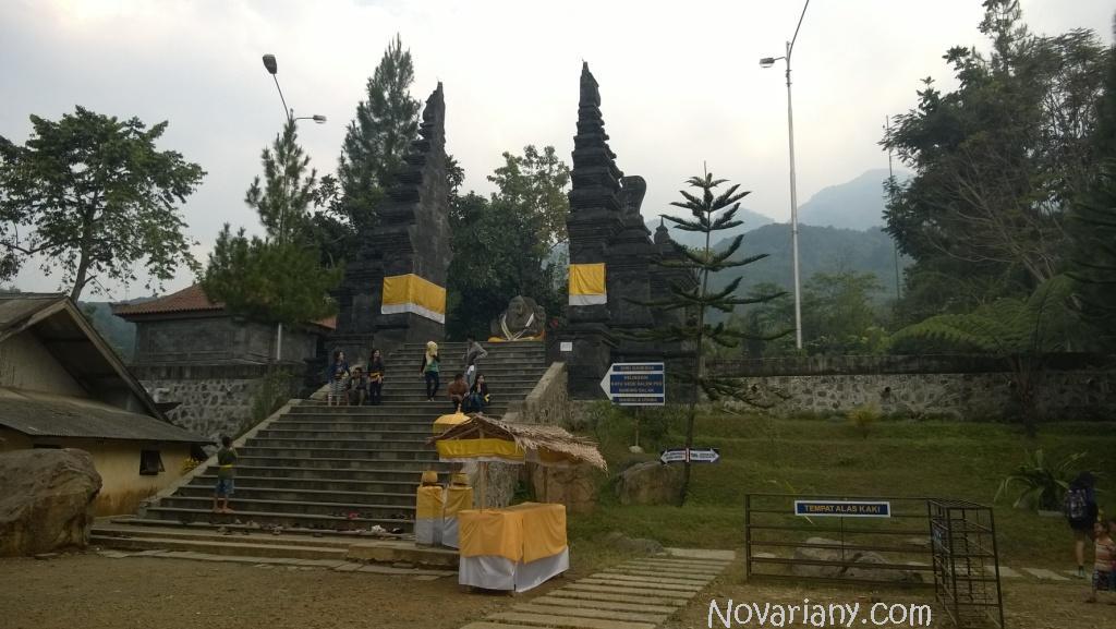 Pura Jagattkarta Bogor
