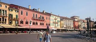Verona, Plaza Brà.