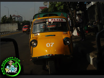 FOTO 1 : Bemo Jakarta di Gusur.   Sopir Bemo akan dijadikan PPSU atau PHL Badan Air