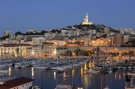 http://parlons-francais.tv5monde.com/webdocumentaires-pour-apprendre-le-francais/Ateliers-de-francais/Niveau-debutant/p-556-lg0-Marseille-la-nuit.htm