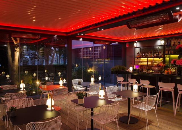 Comer no Hotel Le Clos La Belle Juliette em Paris